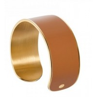 A particular open cuff bracelet with gold plated & enamel in camel color.